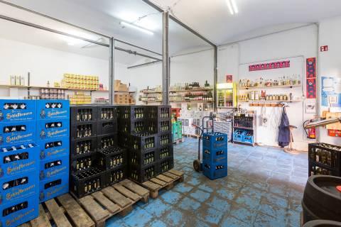 Einblick ins Lager von Egenberger Lebensmittel